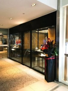 Frameless Glass Shop Front_Kario