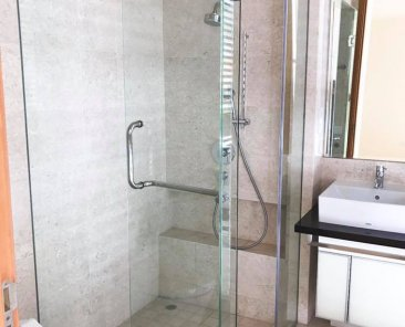Kario Glass - frameless glass shower screen